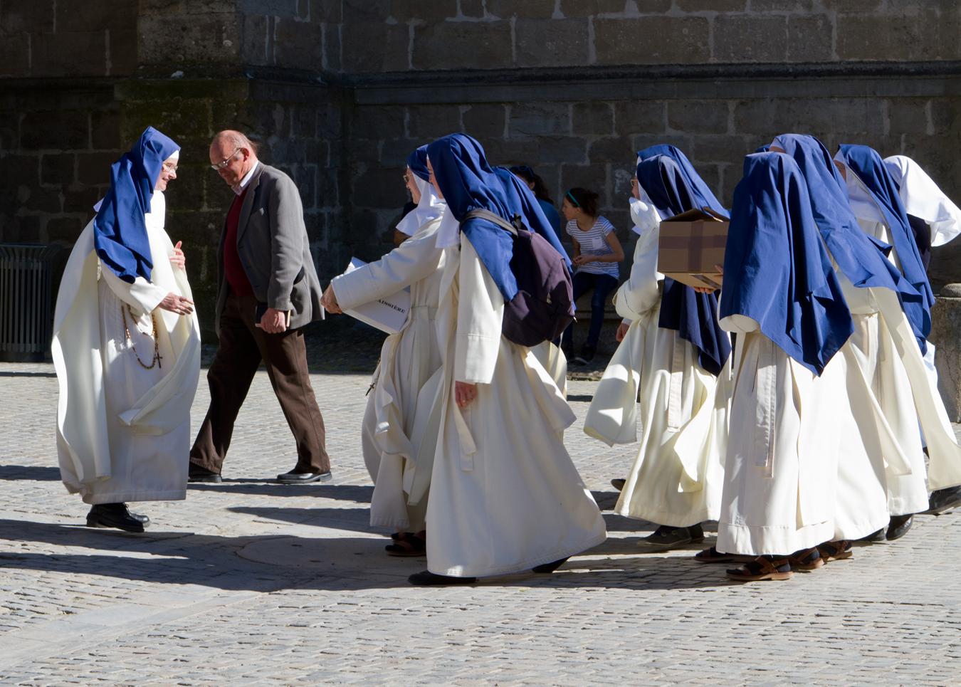 nuns in carcasonne